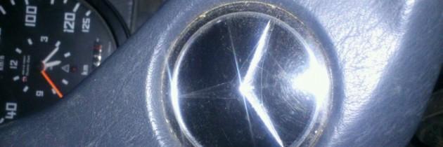 En route… En Mercedes…